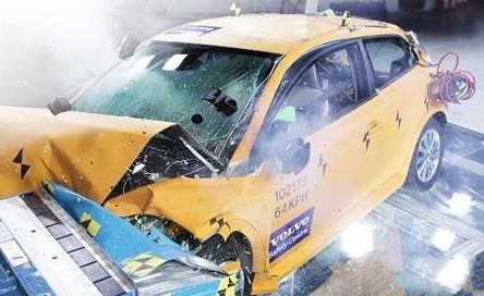 沃尔沃展出碰撞测试试验车电动版C30高清图片