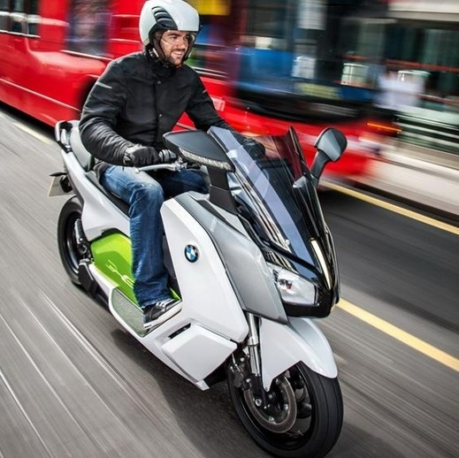 最高时速120公里的宝马电动摩托车