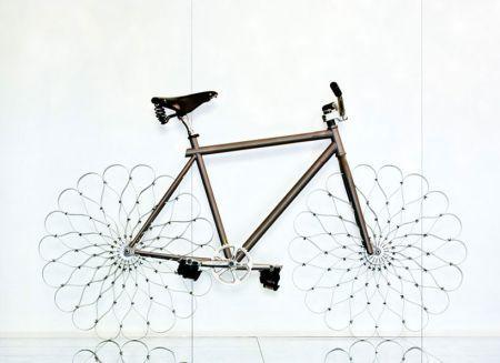 繁花似锦的自行车