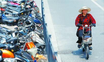 电动自行车与其他交通工具的对比