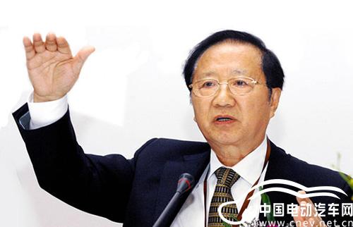 陈清泰撰文:发挥协同效应 助电动车走出产业化困境