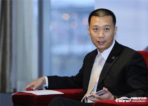 """吴刚加盟寰球汽车 任""""我的车城""""CEO"""