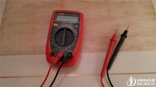 电动车电池检测 用万用表测不靠谱