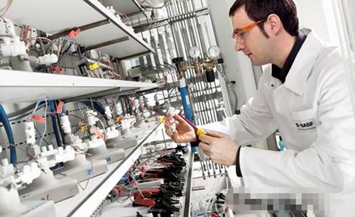 特斯拉CTO:锂电池进步将让电动汽车统治世界