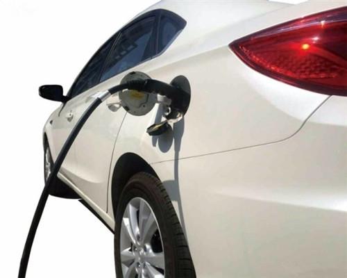陈全世:电动汽车产业下半年将再迎高潮