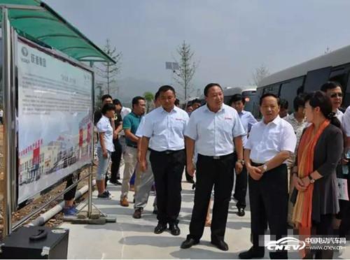 陕西省政府副省长王莉霞一行到陕西跃迪考察指导