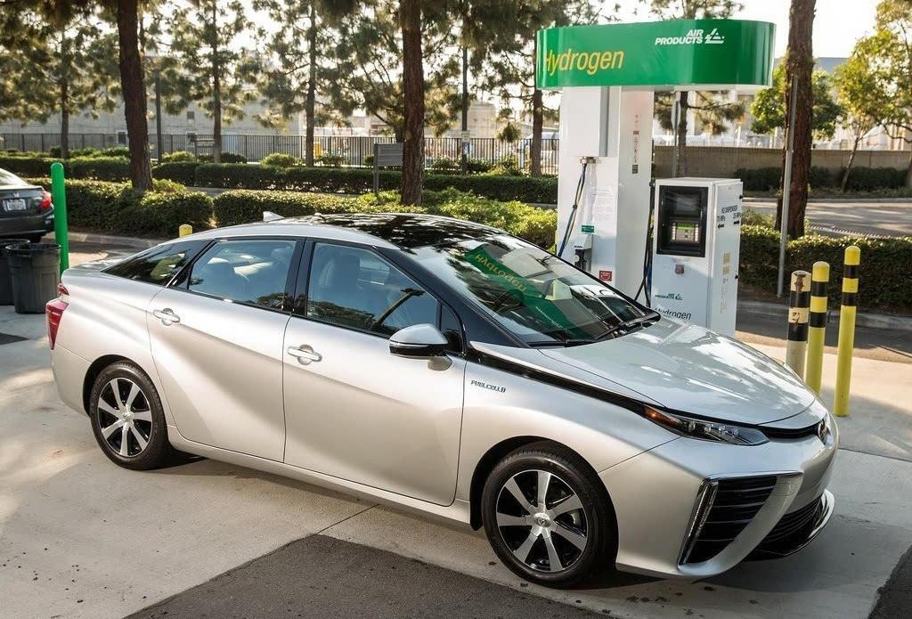 比亚迪 拓宽产品矩阵 押注新能源汽车高清图片