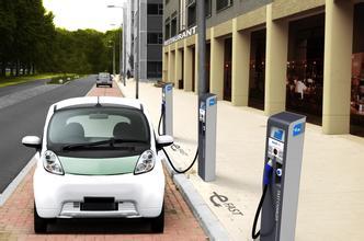 欧阳明高:电动汽车、充电站桩比例2020年左右或实现均衡