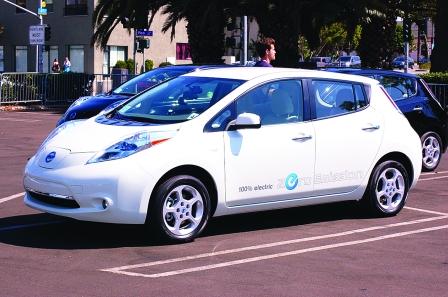 日产抛低端电动汽车计划 戈恩推自动驾驶进中国