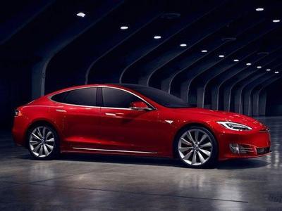 特斯拉发布全球最快电动汽车:百公里加速2.5秒