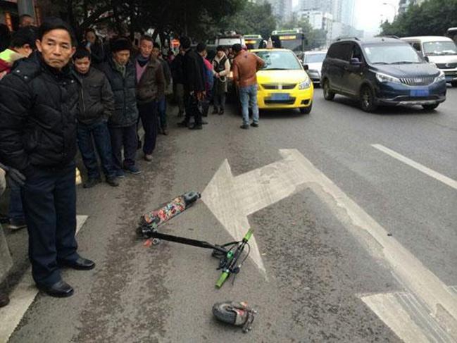 提醒:电动滑板车不具有路权