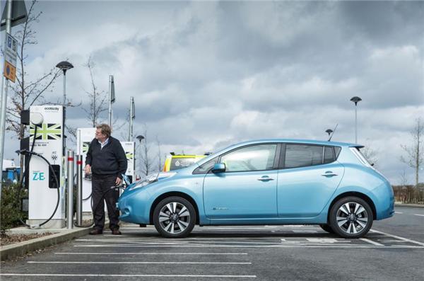 英国拟2017年设充电桩公共定价 促电动车发展