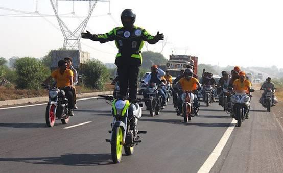 八项摩托车耐力运动世界纪录诞生,欢迎车手挑战!