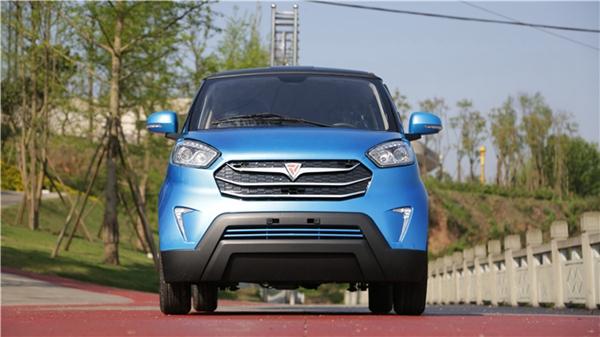 颜值标杆  实拍西南首款低速电动SUV概念车M2