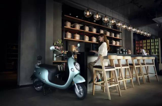 亲民的H&M、Zara组成了生活的点点滴滴 为什么电动车也会有这样的能力?315.png
