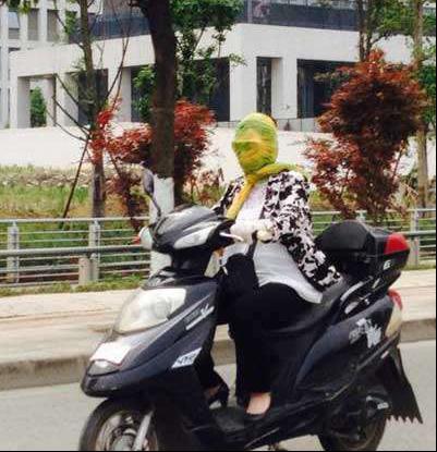 """""""小仙女""""骑行电动车,怎么防晒?都来学学!139.png"""