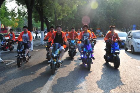 今年夏天燃爆了,数十万人参与雅迪骑行节轰趴!(修改xxx)(2)1428.png