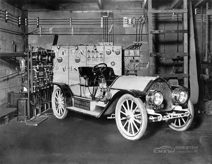 100多年前它曾风靡一时 电动汽车的历史竟然是这样的!