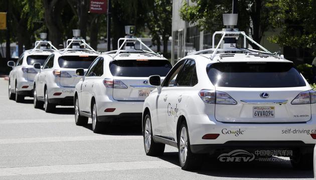 加州启动完全自动驾驶汽车上路测试 开始发放许可证