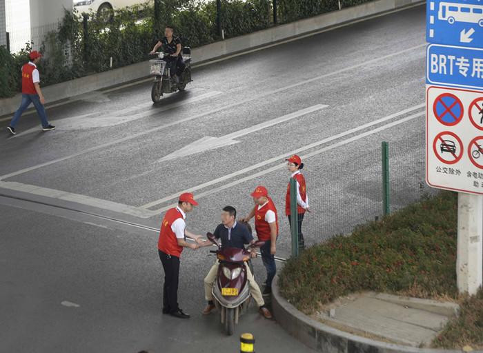 武汉今起整治外卖电动车行动 被罚三次停止从业一年