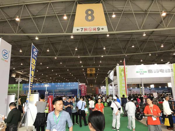 第四届成都电动车展现场火爆,300多家企业逐鹿西南大市场