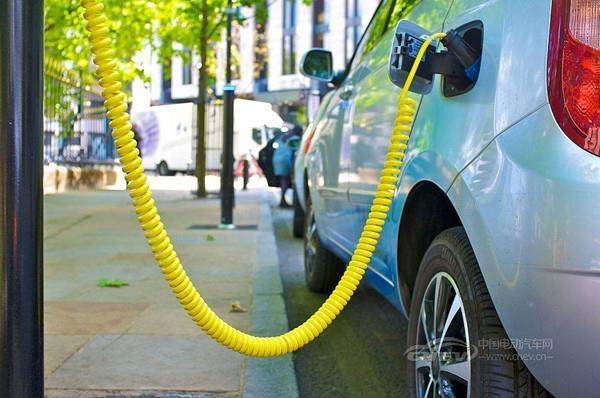 新能源汽车产业链热点有变 中游公司受关注度骤然升温