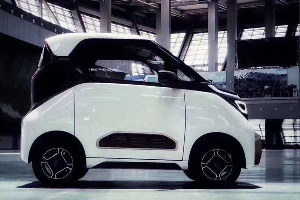 两座个性电动车 宝骏E200官图发布