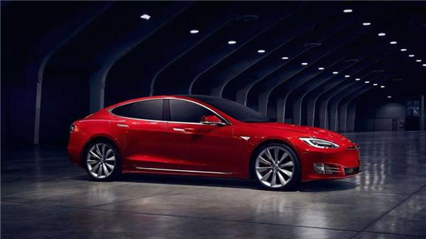 中国选择电动汽车的原因是