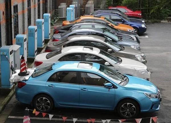 上海市上半年推广新能源汽车21604辆