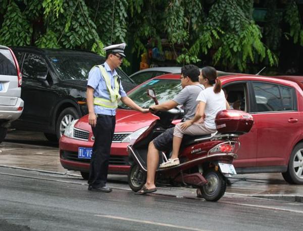 电动车交通违法:罚款和学习同时进行?