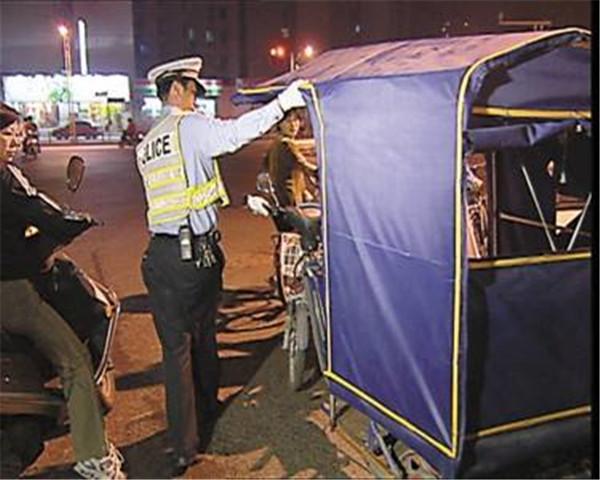 郑州一非法组装销售电动车点被查 现场查扣电动车40辆