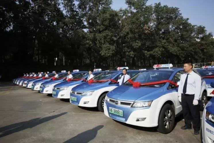 深圳燃油出租车全被淘汰!燃油车退出历史已成定局!