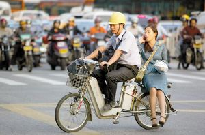 辟谣!骑电动自行车不用考驾照,也不用交驾考费用!