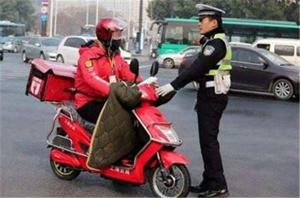 北京终于要对共享单车、电动车、外卖车出手了?