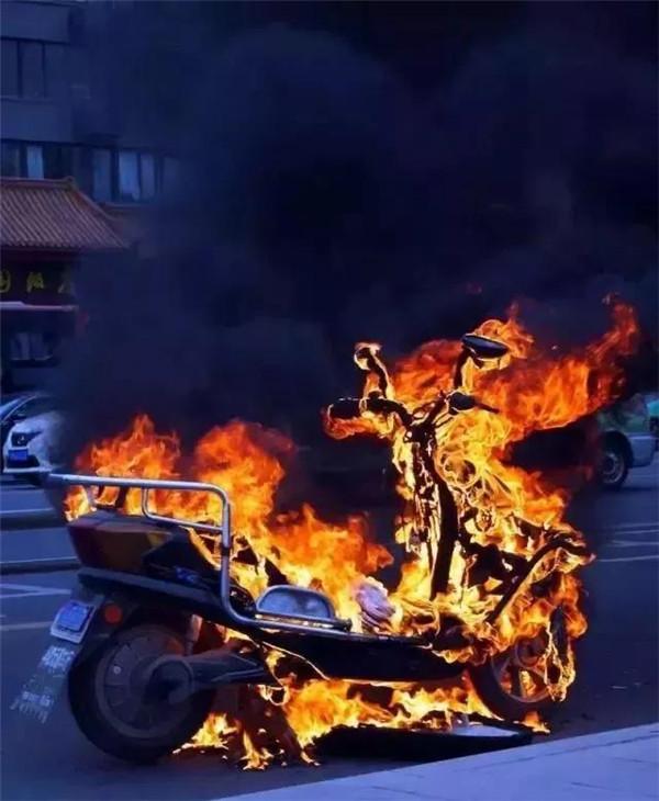 还在怕每天恐惧电动车自燃?这6点教你电动车如何防患于未然!