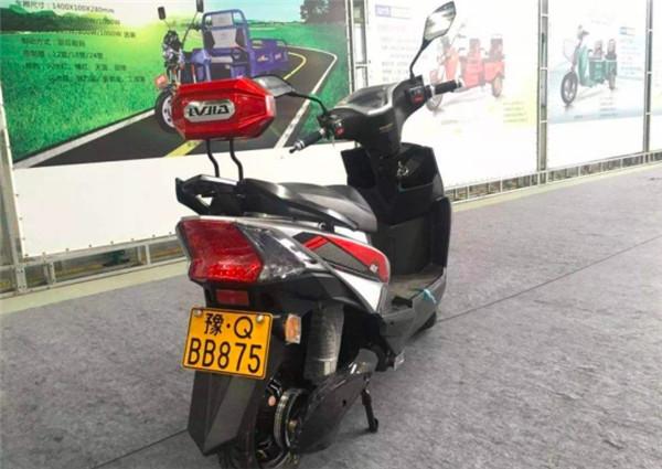 如何挑选新国标电动摩托车?这三个细节不符,可能不是正品!