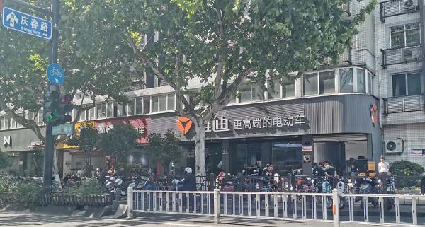 新國標出臺一個月后,杭州城內卻仍可購超標電動車