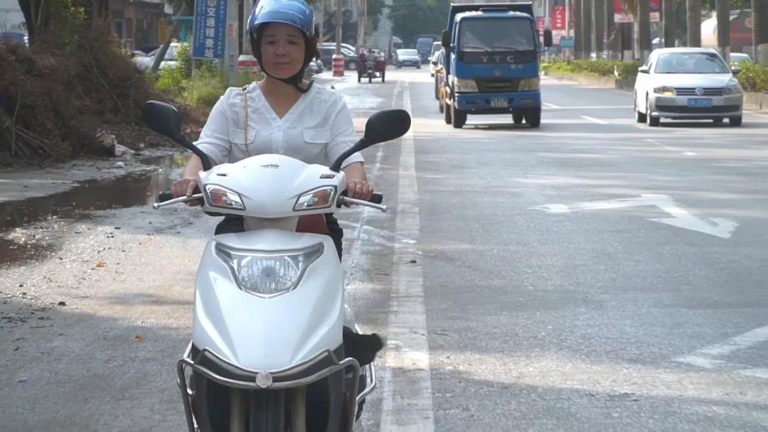 摩托车给她们带来了便捷和喜悦,听听她们与新大洲本田踏板车的真实故事