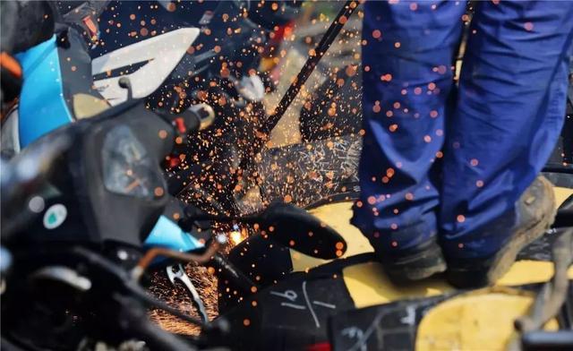 2800多辆摩托车被集中销毁,令人唏嘘!
