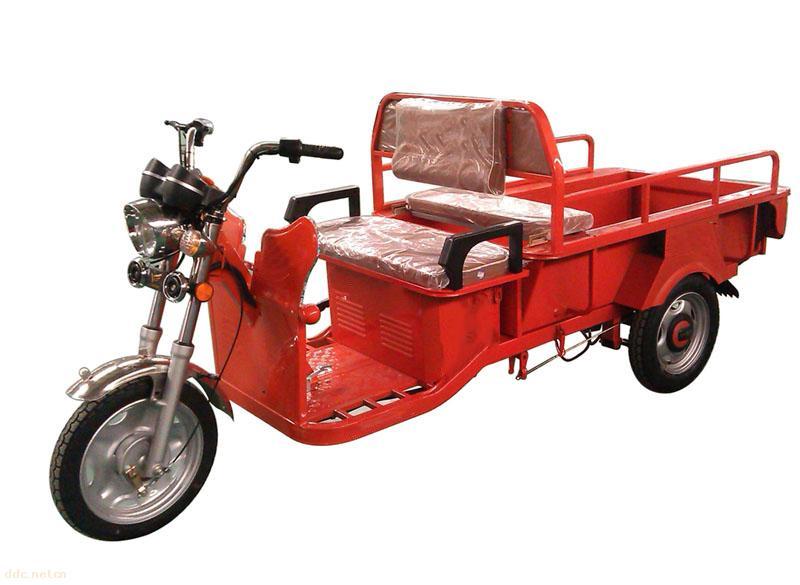 容城县人民政府关于加强电动三轮车等车辆管理工作的通告