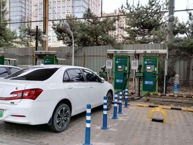 占車位不充電要加錢,武漢可借鑒北京停車新《規范》么?