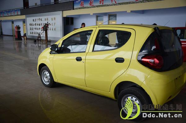 中国电动车网试驾嬴昊电动汽车:转向灵敏噪音低 低排环保易操作