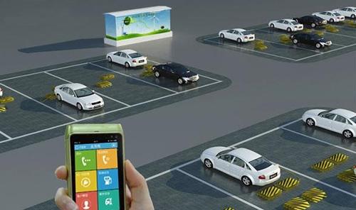 郭永光说,电动汽车需要经常充电,充电就会接入网络,消费者想何时充电