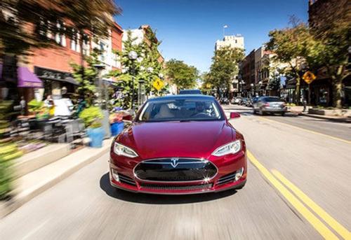 特斯拉将改装面向中国市场生产的新电动汽车图片